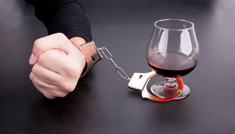Как бороться с алкоголизмом в Москве