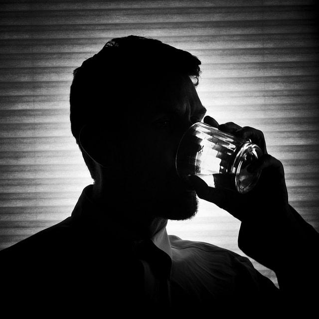 Алкоголизм лечение в москве недорого