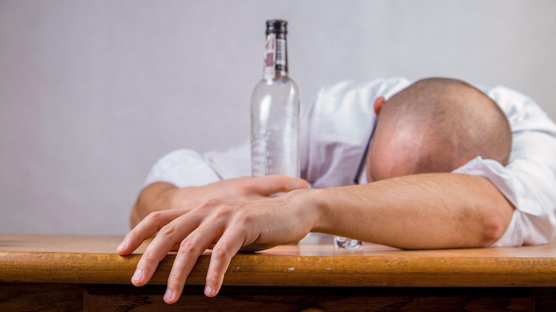 Алкоголизм у мужчин